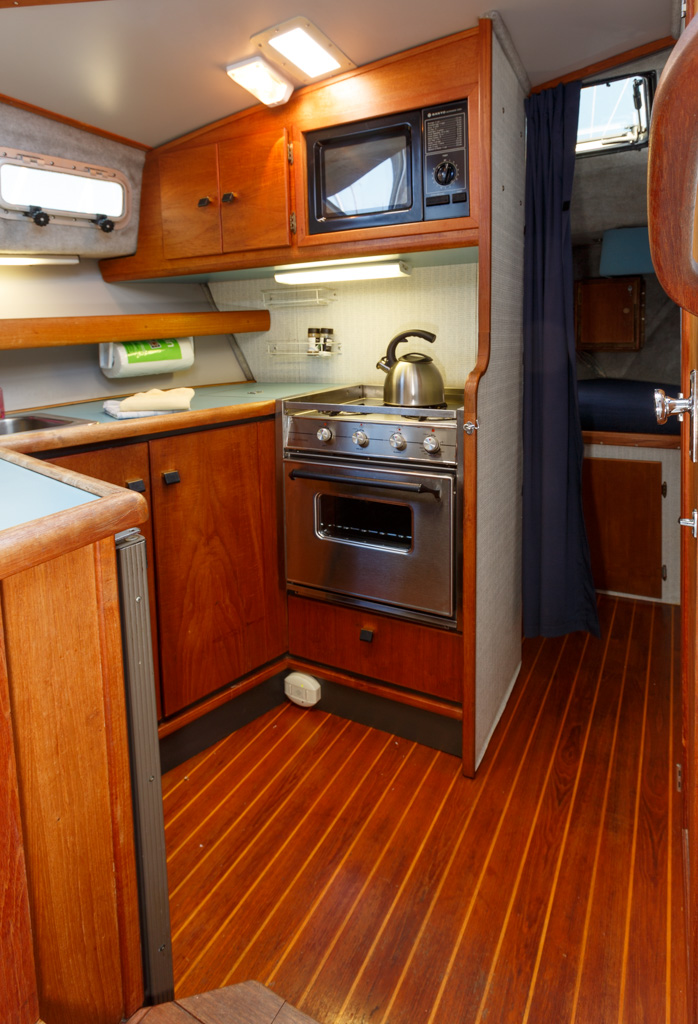 Bayliner 3288 - Sun Dance-Bayliner-3288---Sun-Dance---id44-galley.jpg
