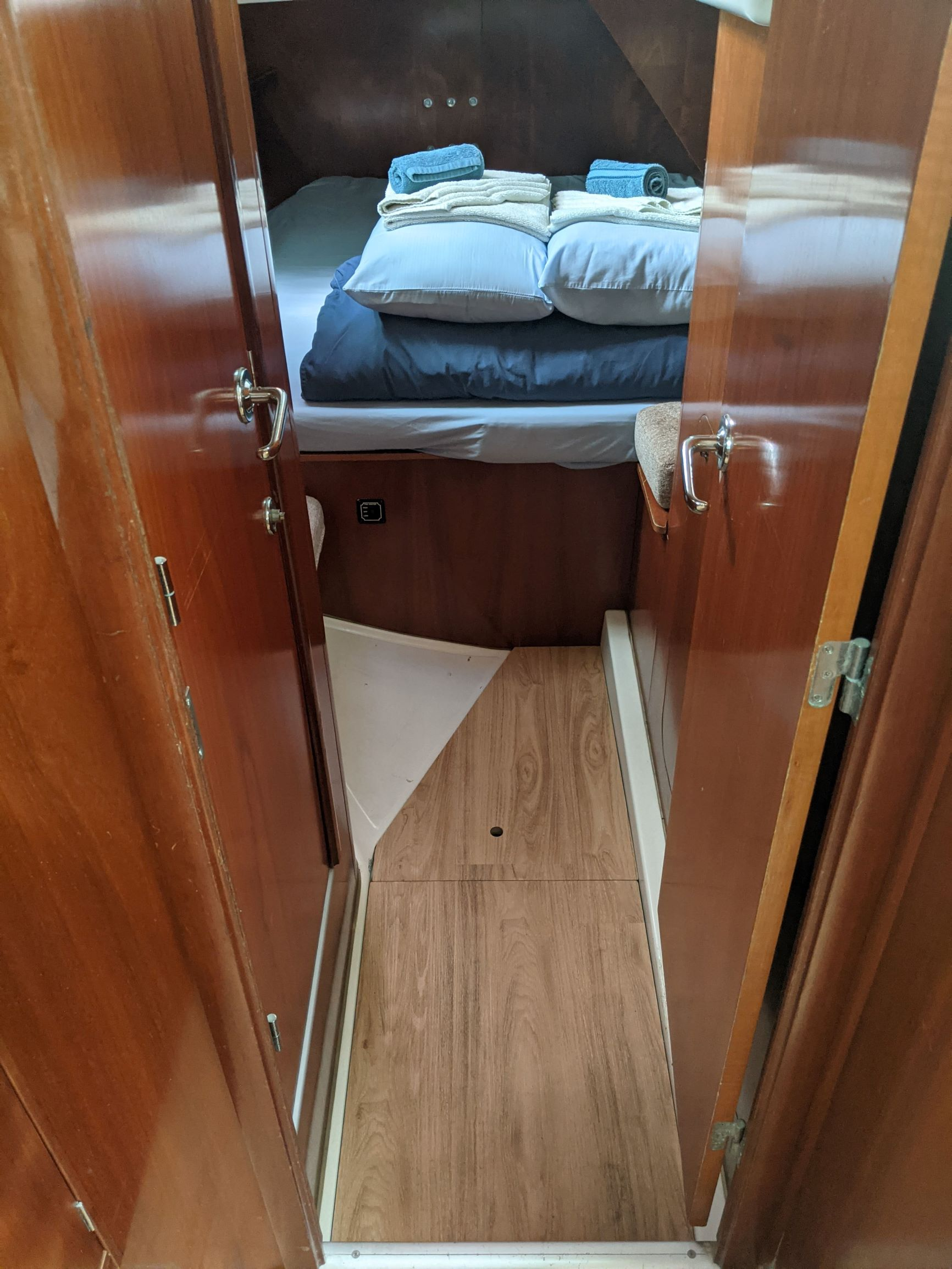 Beneteau 50 - Belle Serena-Aft cabin 1 RS.jpg